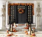 DECOR: How to decorate doors for Fall