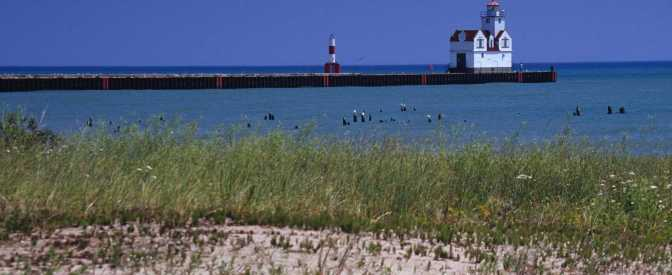 wi tourism Kewaunee Pierhead Lighthouse